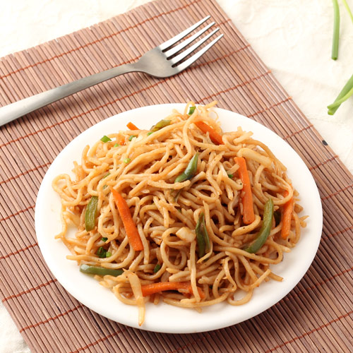 Veg hakka noodles recipe restaurant style noodles with stir fried chinese hakka noodles forumfinder