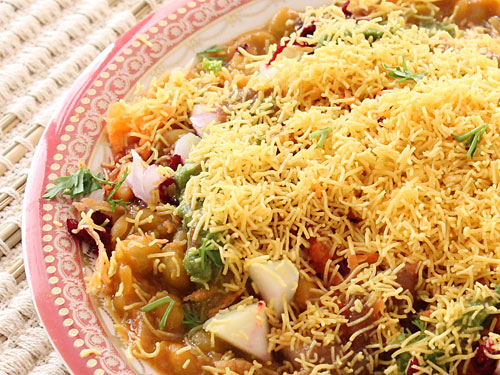 Sev usal recipe make best gujarati sev usal snack at home sev usal forumfinder Gallery