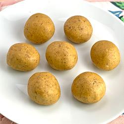 Besan Ladoo with Almonds (Badam)