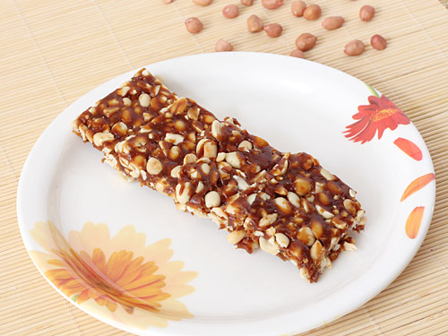 Peanut Chikki Recipe - Best Peanut Brittle with Roasted ...